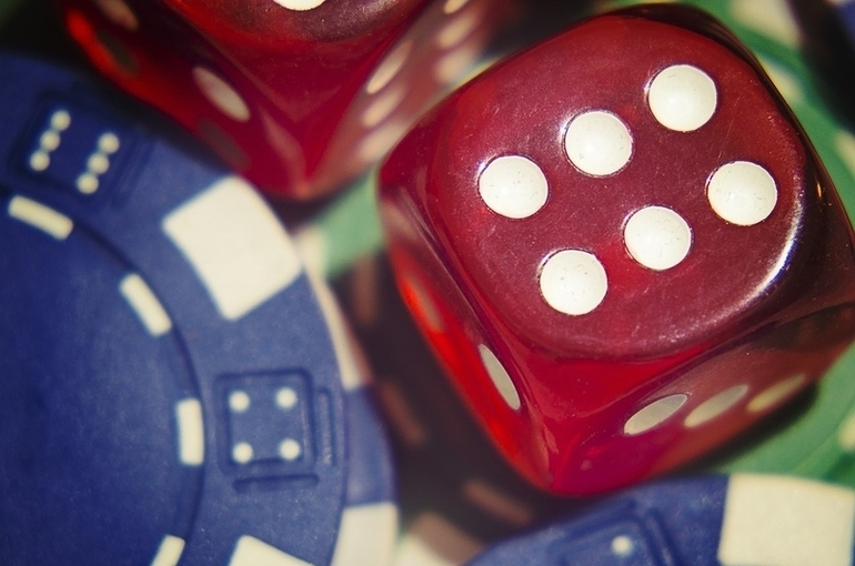 Перевести деньги в онлайн-казино будет сложнее - Парламентская газета